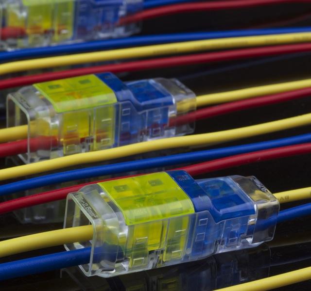 电线连接器